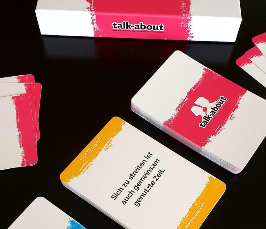 Paare Spiel für mehr Nähe in der Beziehung talk-about